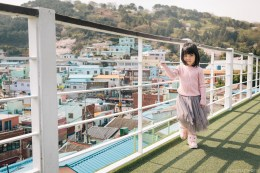 Busan Gamcheon Village Cherry Blossom Family Photographer-4