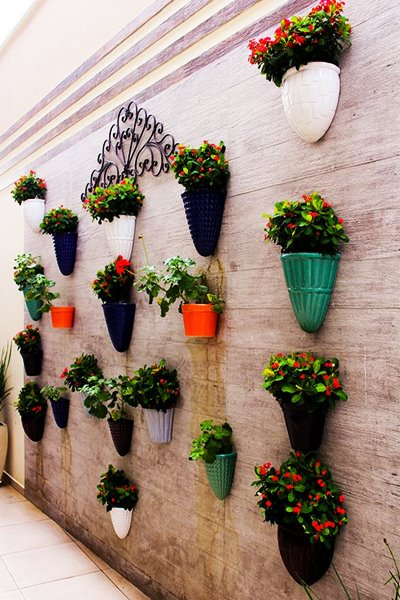wall vases (1)