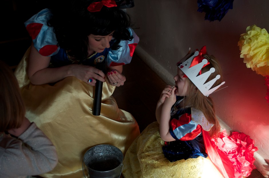 snow white - awesome themed parties