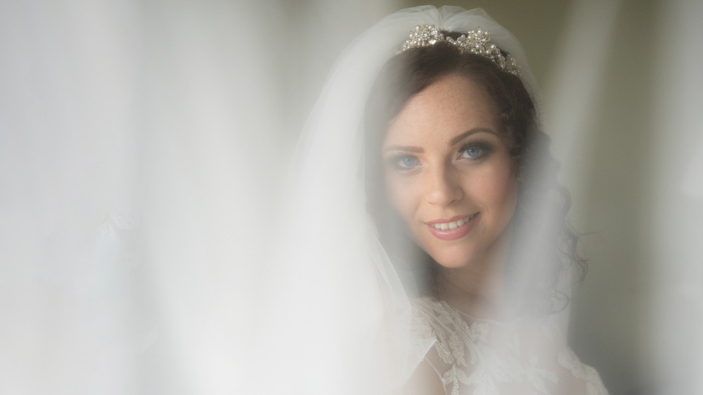 Soft focus image through veil
