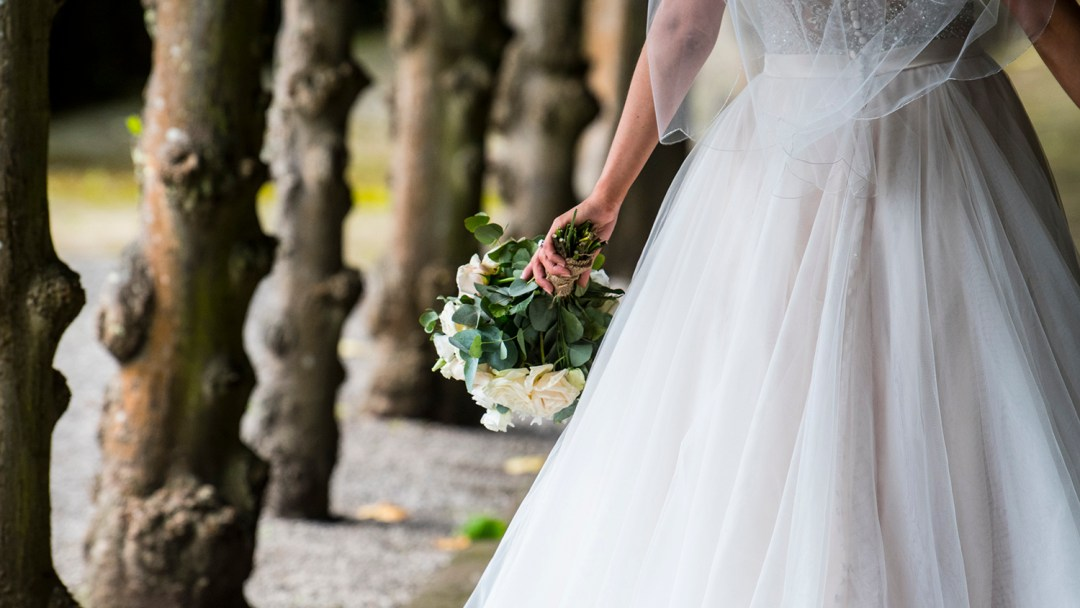bride-with-flowers-boquet
