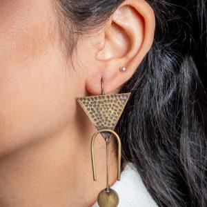 Upside-Down-Triangular-Horseshoe-Earrings-2.jpg
