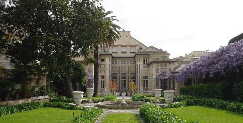 """Palazzo Lomellino partecipa all'iniziativa europea """"Incontriamoci in giardino"""". Il 2 e 3 giugno con visite guidate dalle 11 alle 19."""