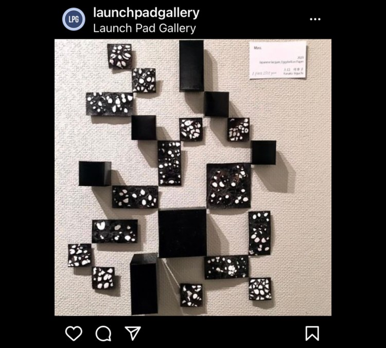 Artwork of Kaneko Iriguchi using eggshells in square and rectangular forms