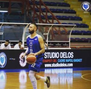 cuore napoli basket capitano Maggio Palabarbuto Studio Delos fisioterapia fisioterapisti
