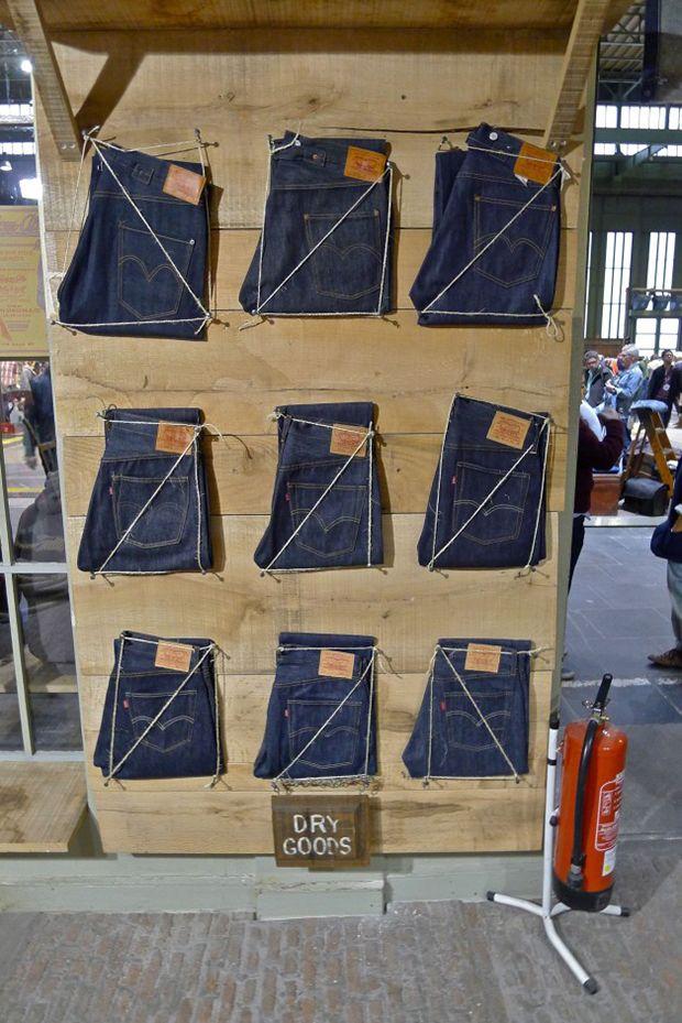 vaqueros visual merchandising 33