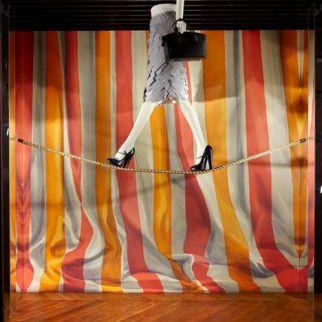 Escaparate temático sobre el circo