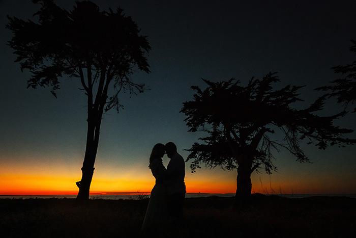 photographie de bord de mer en amoureux