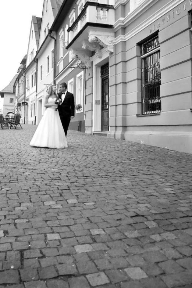 Fotografia ślubna ulicami Bardejova