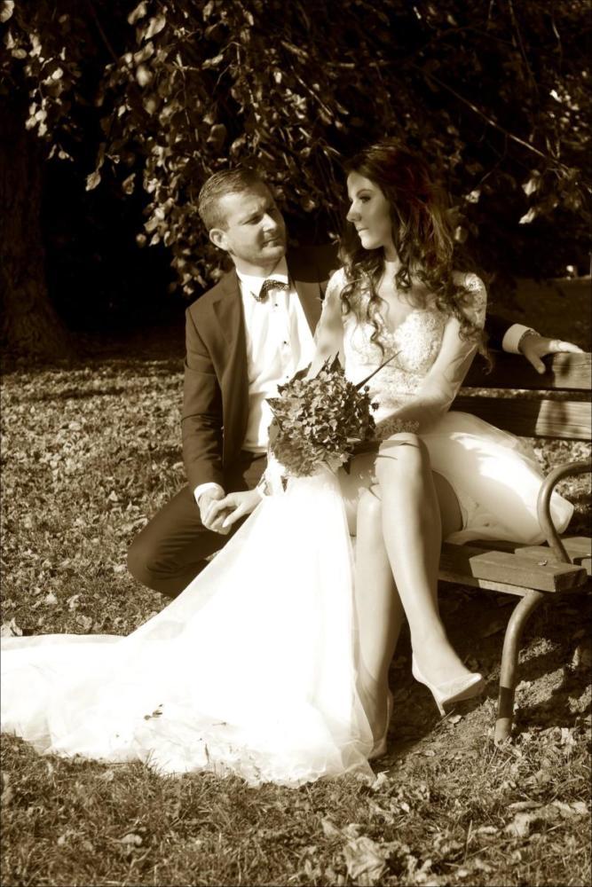 Ujęcie ślubne na ławce