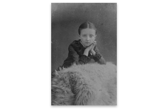 Lucy Maud Montgomery con 10 años.