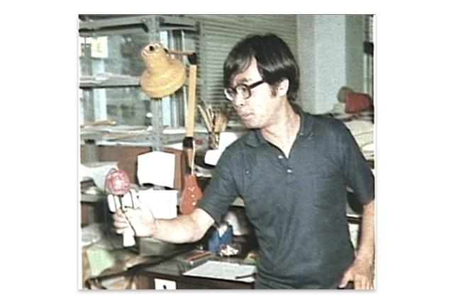 Miyazaki con su bolinche.