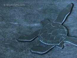 """Turtle hatchling - Decorative Bowl, close up (9 1/4"""" diameter), $150   Tortue venant d'éclore - Bol décoratif, détail (diamètre : 23,5 cm), 150 $"""