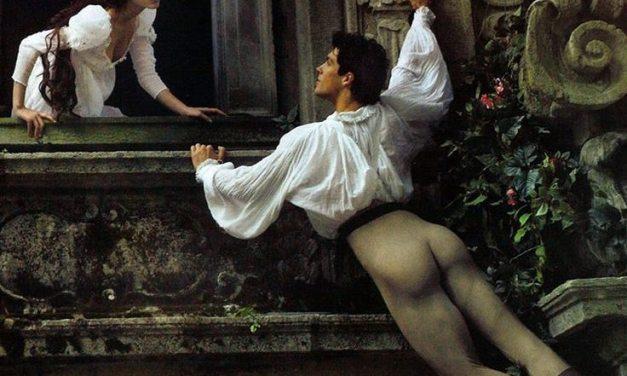The Romeo and Juliet Balcony Scene in Modern English