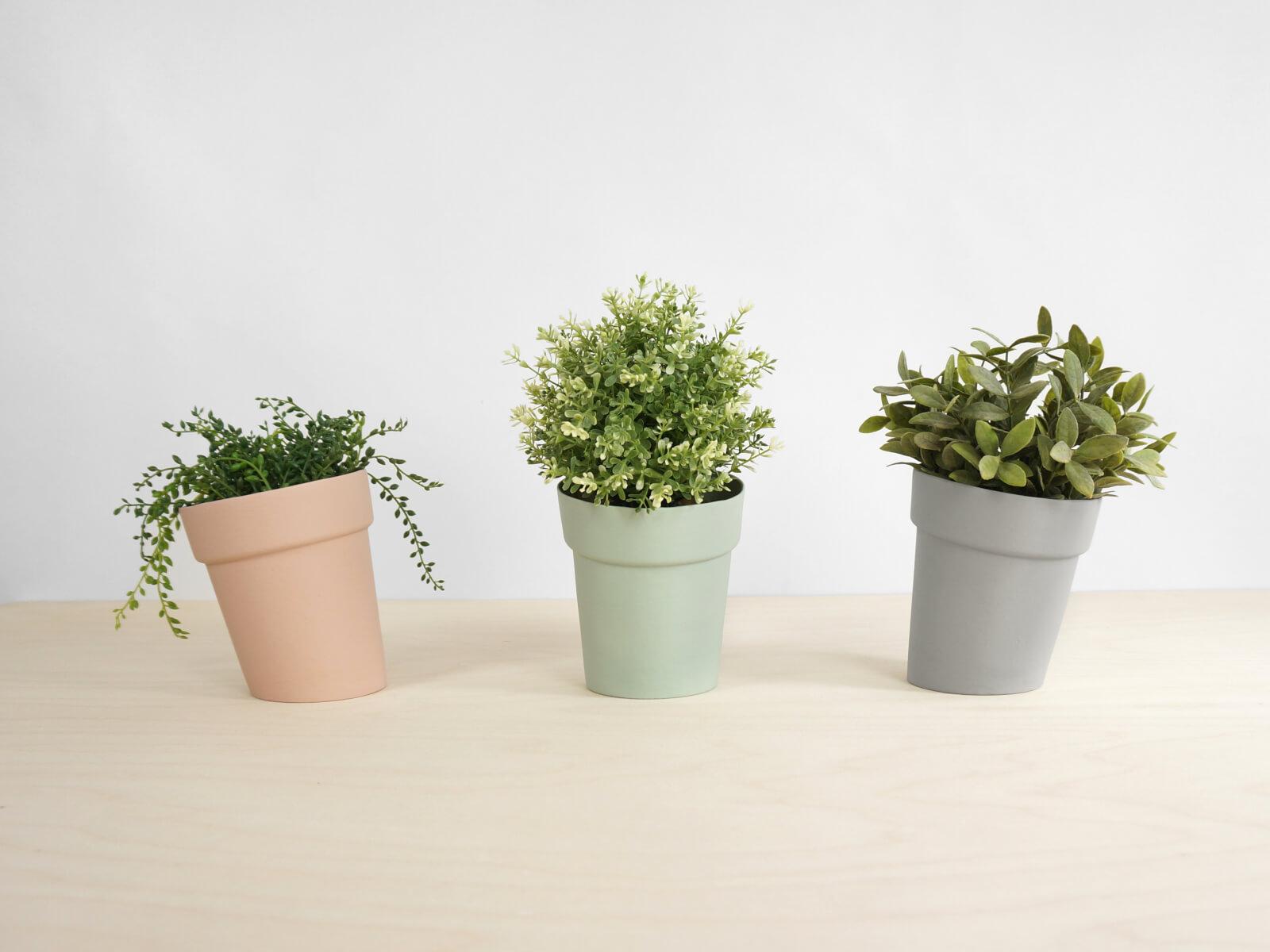 studio lorier distort flowerpot small. Black Bedroom Furniture Sets. Home Design Ideas