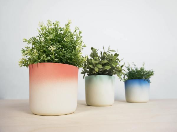 C07 Flowertop 2016 flowerpot with bottom screw colors fade