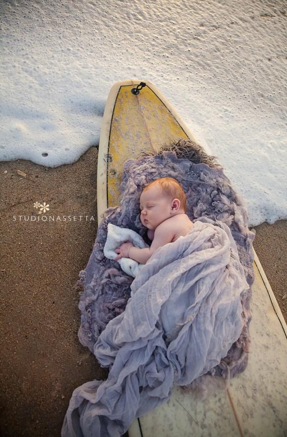 newborn_photograph_surfboard_nagshead