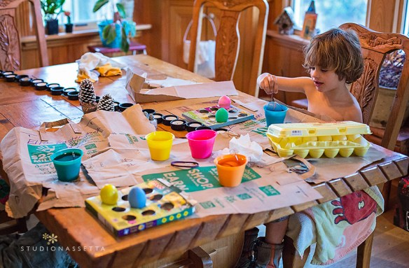 kids-life-decorating-easter-eggs-obx