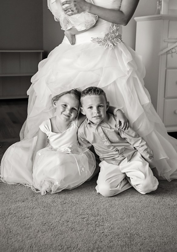 flower-girl-and-ring-bearer-kids-bride-photo-Nags-Head-NC-wedding