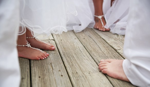 wedding_sandals_feet_detail_obx