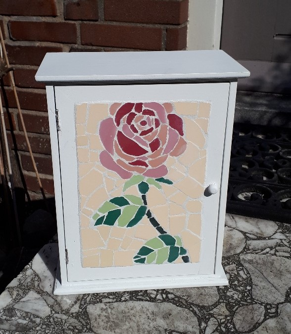 kastje mozaïek roos