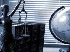 Sospensione-dall'albo-per-l'avvocato-che-riveste-la-carica-di-amministratore-di-una-Società-a-responsabilità-limitata-studio russo giuseppe