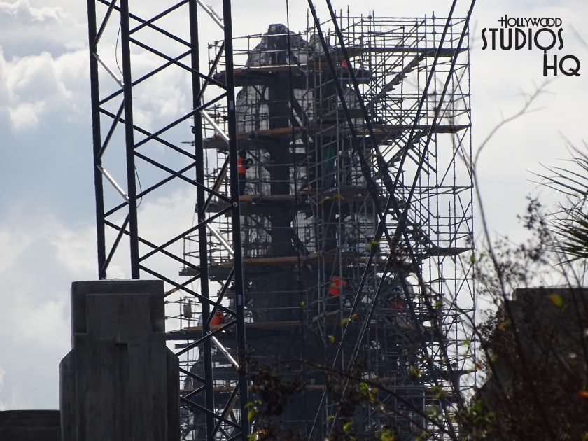 Our look at Batuu this week doesn't disappoint. Imagineers and construction crews are working hard both day and night. The mountain range is coming along nicely. Unlike last year, during the day you can actually view work activity amidst the sound of construction equipment and cranes delivering materials to the buildings.