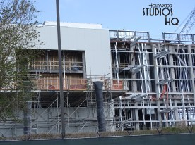 Construction crews are busy on the main show building as well as near the exit of Muppet Vision 3D attraction. Guests on Grand Avenue have a better view this week of rising structures in the center of the land. Check out the photos below for details of building structures now covered with tarps – likely preparations to continue work in spite of Florida rain. Remember to visit Hollywood Studios HQ for the most current source of all Star Wars: Galaxy's Edge construction. Disney's Hollywood Studios. Photo by John Capos