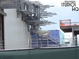 Construction efforts carry on with wielding of fabrication on peaks in progress under the hot Florida sun. The delivery of an apparent very large shipping crate being guided by crane into one of the main buildings was captured on film this week. Overall work on various mountain ranges, including a unique three peak formation continues. See below for the latest detailed photos exclusively from Hollywood Studios HQ. Star Wars: Galaxy's Edge. Disney's Hollywood Studios. Photo by John Capos
