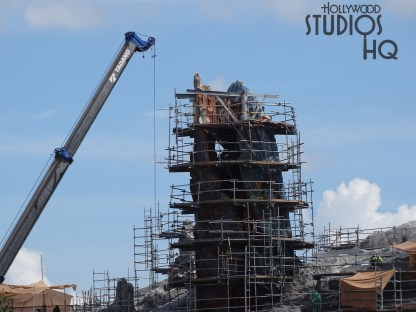 Star Wars fans eager for the Planet Batuu's opening can view the latest construction efforts in the photos below. Roof covering of the main temple roof surface has been completed. An American flag now positioned atop a high metal structure signifies the crews topping out of this work. Star Wars: Galaxy's Edge. Disney's Hollywood Studios. Photo by John Capos