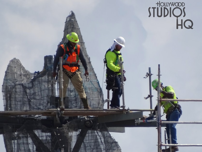 Crews continue to make progress on completion of mountainous terrain. Photos below reveal a completed mountain peak cluster while workers utilize scaffolding or metal fabrication tasks to further complete the Planet Batuu's landscape. Visit Hollywood Studios HQ weekly for the latest close up photos covering the Star Wars: Galaxy's Edge construction progress. Disney's Hollywood Studios. Photo by John Capos