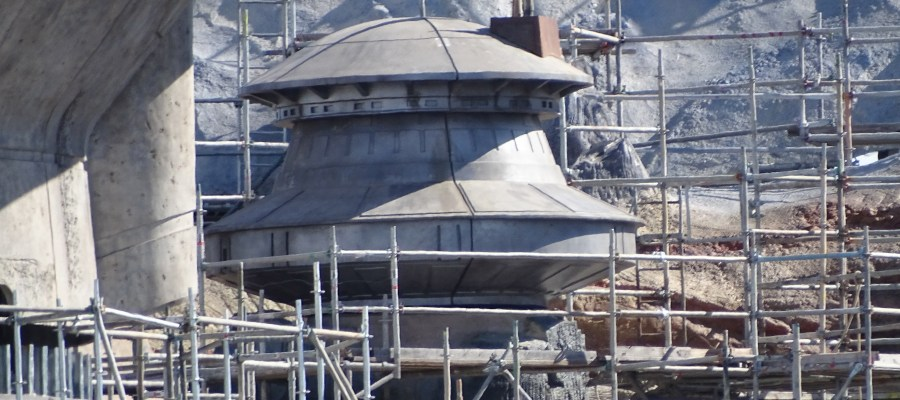 Crews were observed this week working at a variety of construction tasks. Workers continued metal fabrication work on the Planet Batuu's surface. A new smaller dome structure has appeared along with coloring on some the exterior surfaces. Viewers should check in every week to Hollywood Studios HQ so as not to miss a single construction update. Star Wars: Galaxy's Edge. Disney's Hollywood Studios. Photo by John Capos
