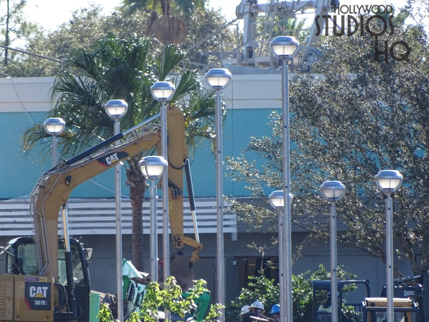 Construction workers continue metal structure work and are installing outdoor pole lighting as pictured below. Crews are adding additional landscaping this week. The Stage guest parking area continues to undergo night time paving. Hollywood Studios HQ continues coverage of the Main Entrance construction project. Disney's Hollywood Studios. Photo by John Capos