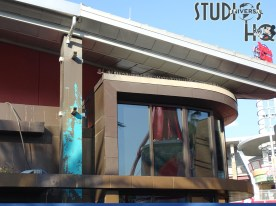 Crews continue refurbishment work on the former Fossil Store in Universal Orlando Citywalk. Interior areas are under renovation along with the removal of the original exterior finish. Stay tuned to Hollywood Studios HQ for the latest updates on the remodeling project. Photo by John Capos