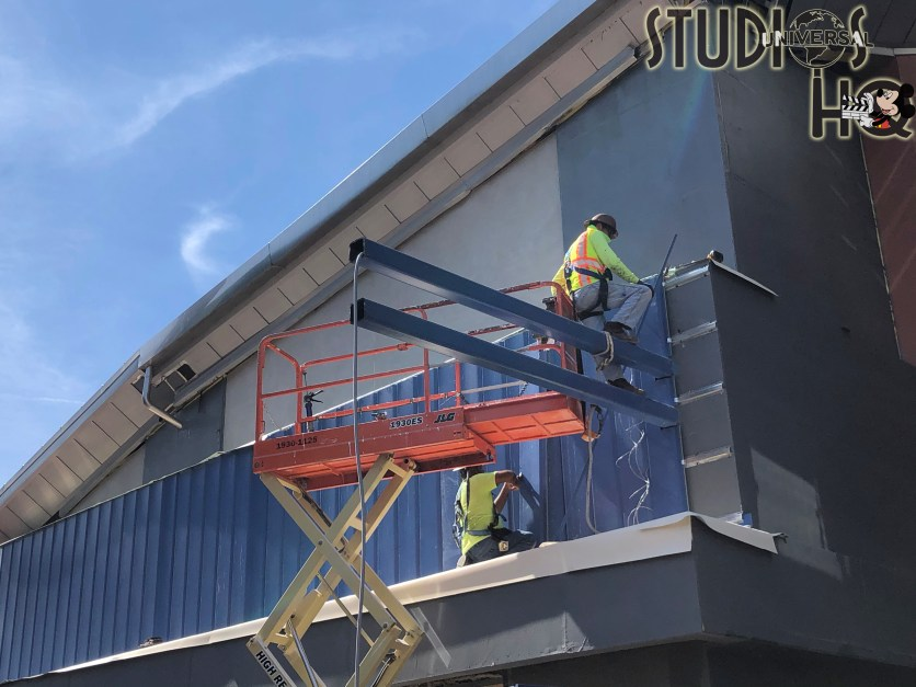 Crews continue work on the long anticipated new Universal Studios Store located in City Walk. Exterior decorative paneling is currently being installed with a store opening expected this summer 2021. Stay tuned to Hollywood Studios HQ for complete coverage of new construction. Universal Orlando. Photo by John Capos