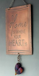 Kim Vredenburg, Wall jewelry, Home is where your heart is.