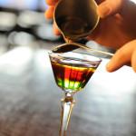 Ilustrasi Praktek Pengetahuan Minuman D3 Perhotelan