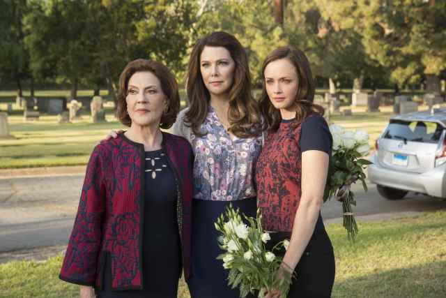 "Nostalgia vs. Disappointment: A Review of the ""Gilmore Girls"" Netflix Reboot"