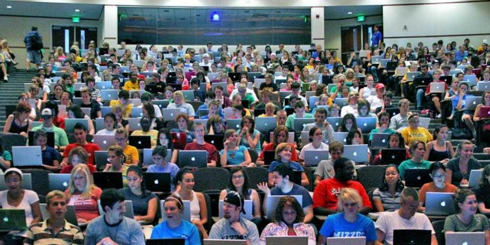 Agoraphobia in College: 7 Ways to Deal with the Crowds