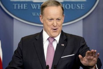 5 Reasons Sean Spicer Should Be a Comedian