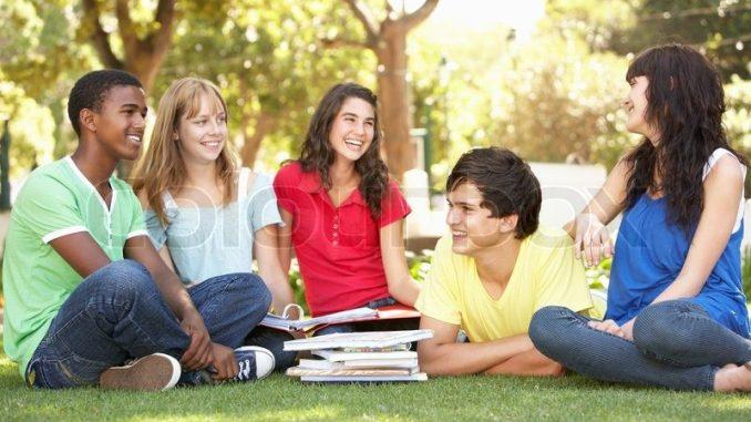 Student's Essentials: 3 Myths VS 3 Helpful Tips