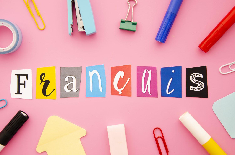 francais-lettering-pink-background