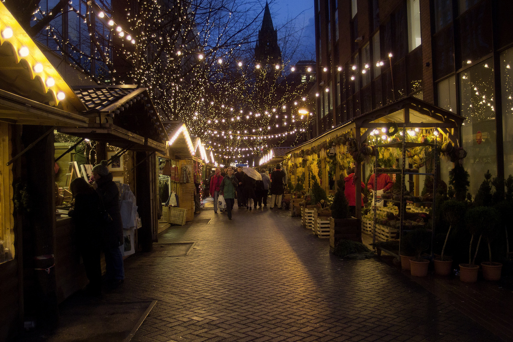 Festivals, holidays and events in the UK - Christmas market