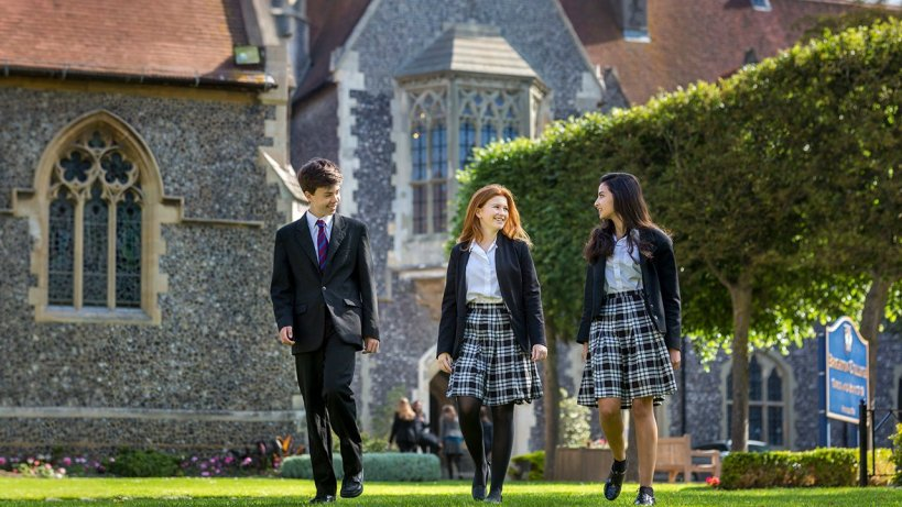 3 เหตุผลที่ควรส่งลูกไปเรียน Boarding School ที่อังกฤษ