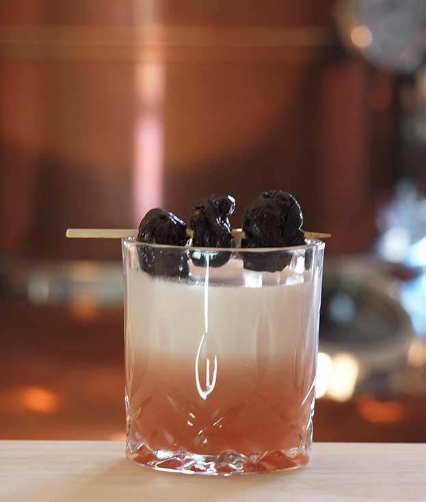 stuerhof-titting-brandy-sour-zwetschgenbrandy-aperol-cocktail