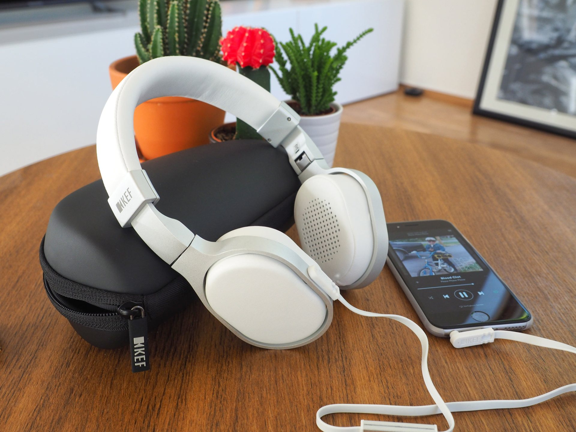 KEF M500 OnEar