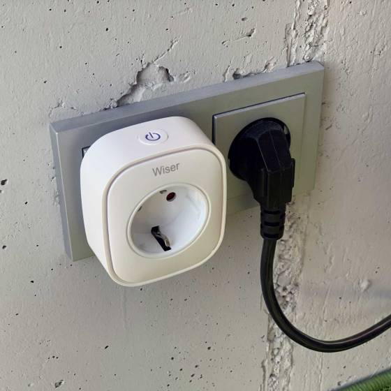 Wiser Smart Plug