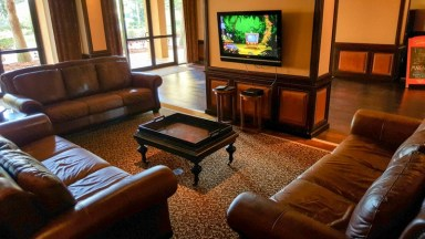 Lobby room with tv, ready to entertain little ones