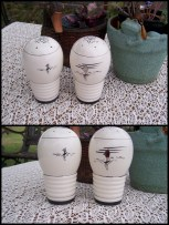10-ceramic SnP shakers, sailboats