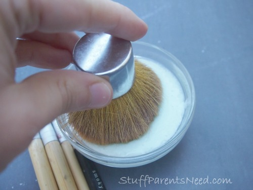 how to clean makeup brushes 3